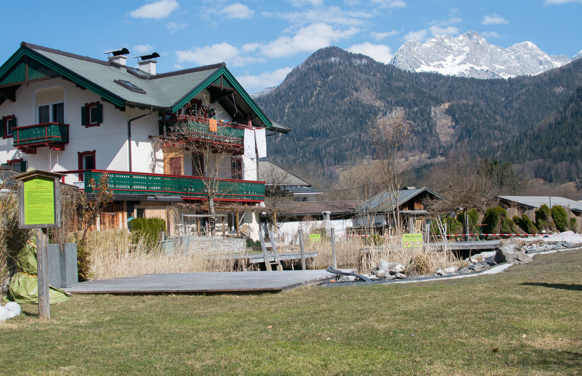 Das Familienhotel Mühlpointhof in Lofer teich outdoor