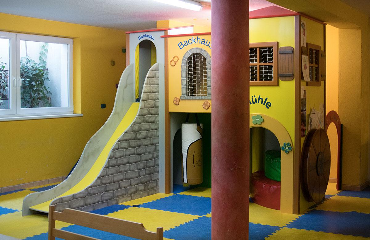 Das Familienhotel Mühlpointhof in Lofer spielplatz