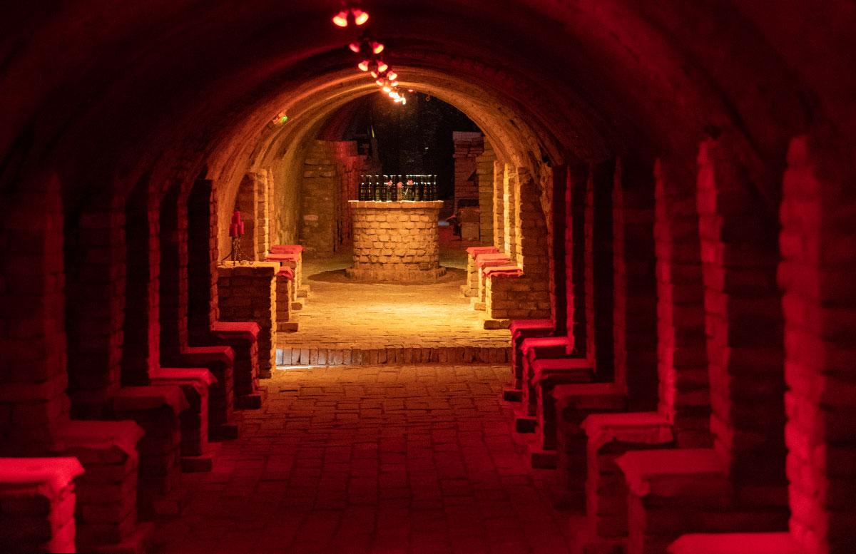 Das-Nonseum-und-das-Museumsdorf-Niedersulz-im-Weinviertel-labyrinthkeller