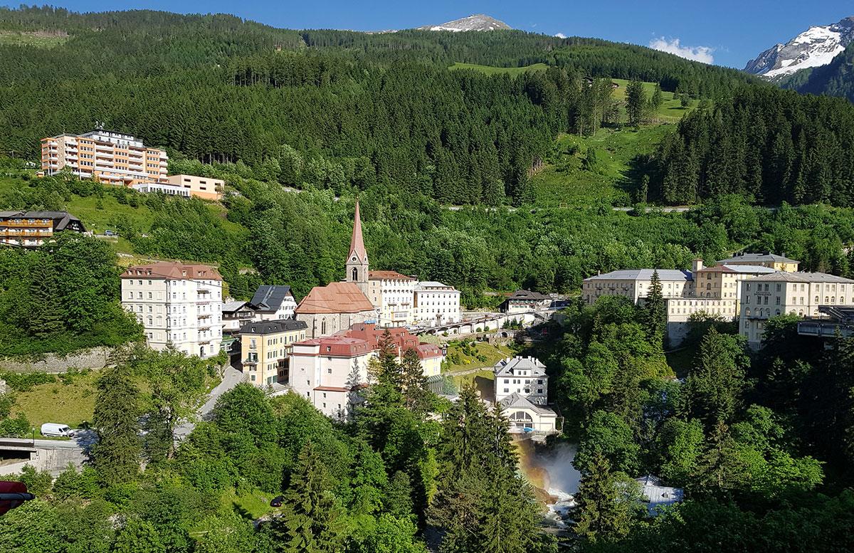 Der-Gasteiner-Heilstollen-und-die-Alpentherme-Gastein-bad-gastein-weitblick