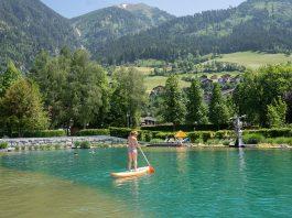 Der-Gasteiner-Heilstollen-und-die-Alpentherme-Gastein-teich-stand-up-paddling
