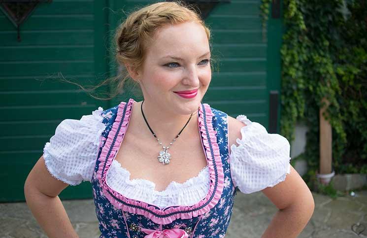 Der-Neustifter-Kirtag-in-Wien-Outfit-gesicht-look