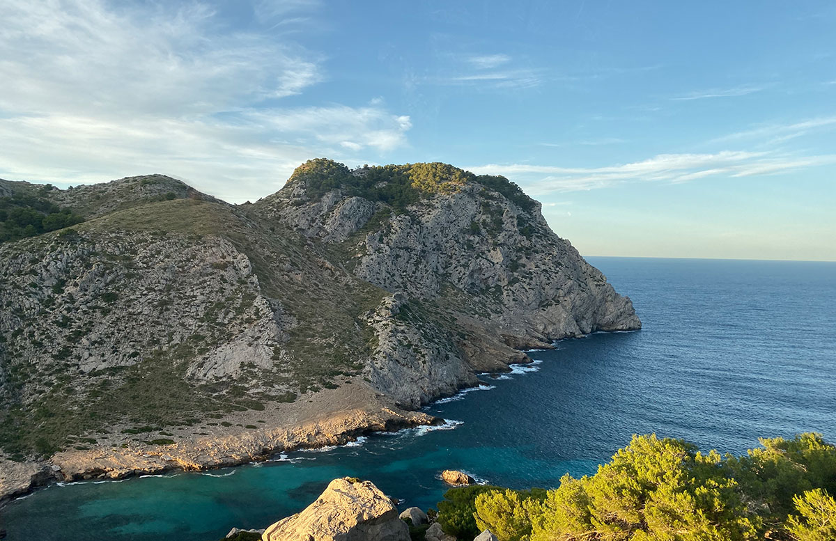 Der-goldene-Herbst-in-Mallorca-Ausflug-zum-Cap-Formentor-berg-sicht