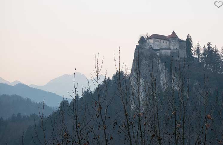 Die-Burg-Bled-und-Luxus-Camping-in-Ljubno-burg-bled-aussicht-vom-hotel