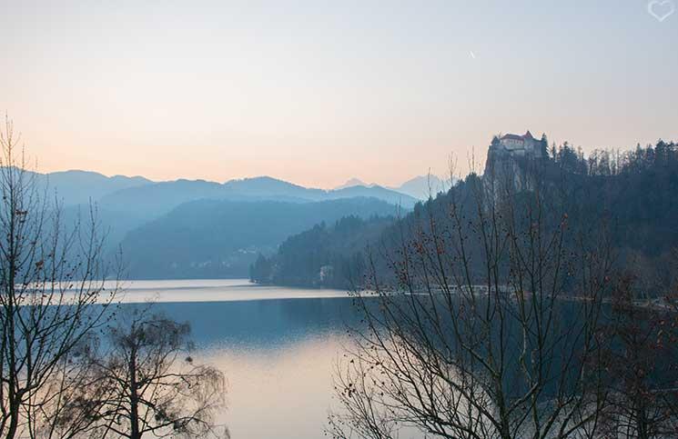 Die-Burg-Bled-und-Luxus-Camping-in-Ljubno-burg-bled-und-der-bleder-see