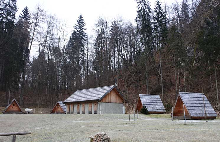 Die-Burg-Bled-und-Luxus-Camping-in-Ljubno-clamping-luxus-camping