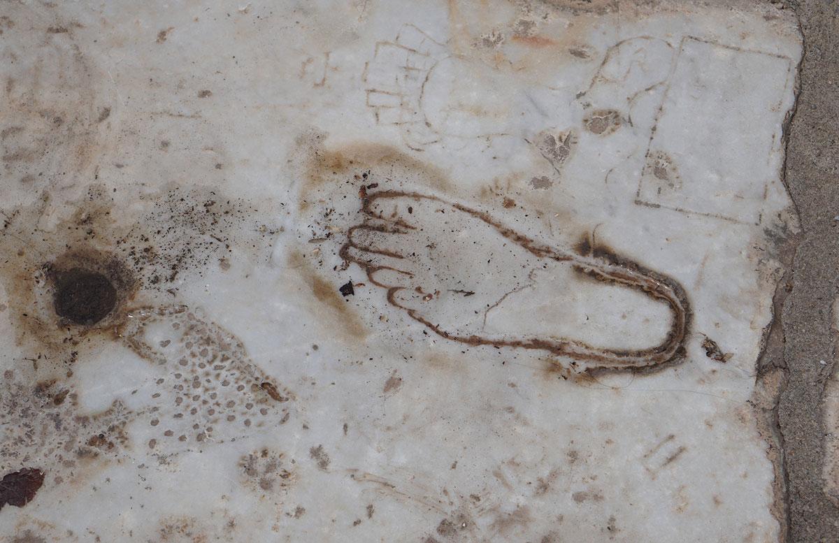 Die-Ruinen-von-Epheso-wegweiser-zum-bordell