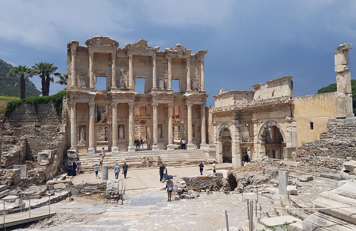 Die Ruinen von Ephesos celsus Bibliothek