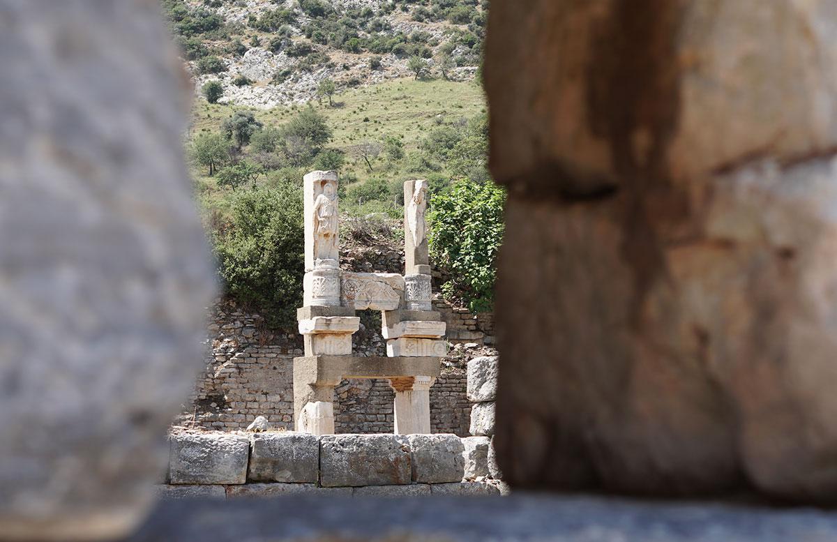 Die Ruinen von Ephesos antike theater ruine detail