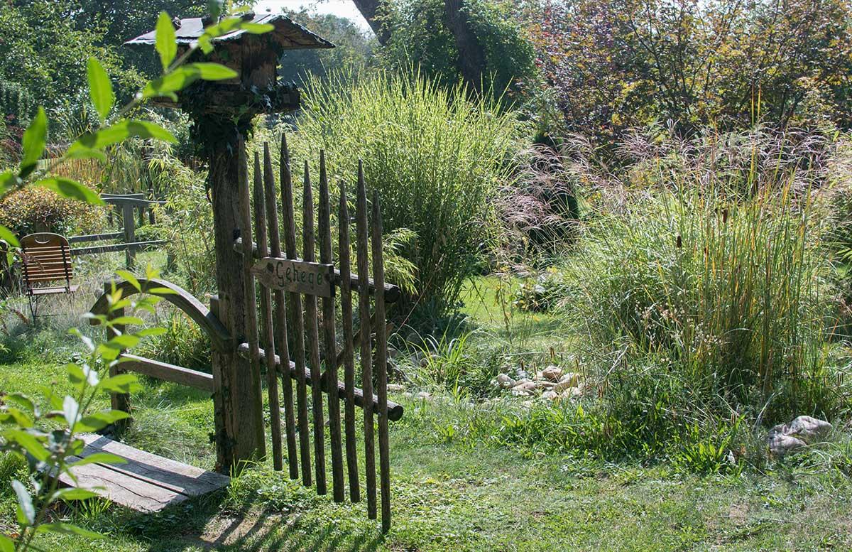 Die Straußenfarm am Lindenhof in Auffen spezialitäten vom strauss garten