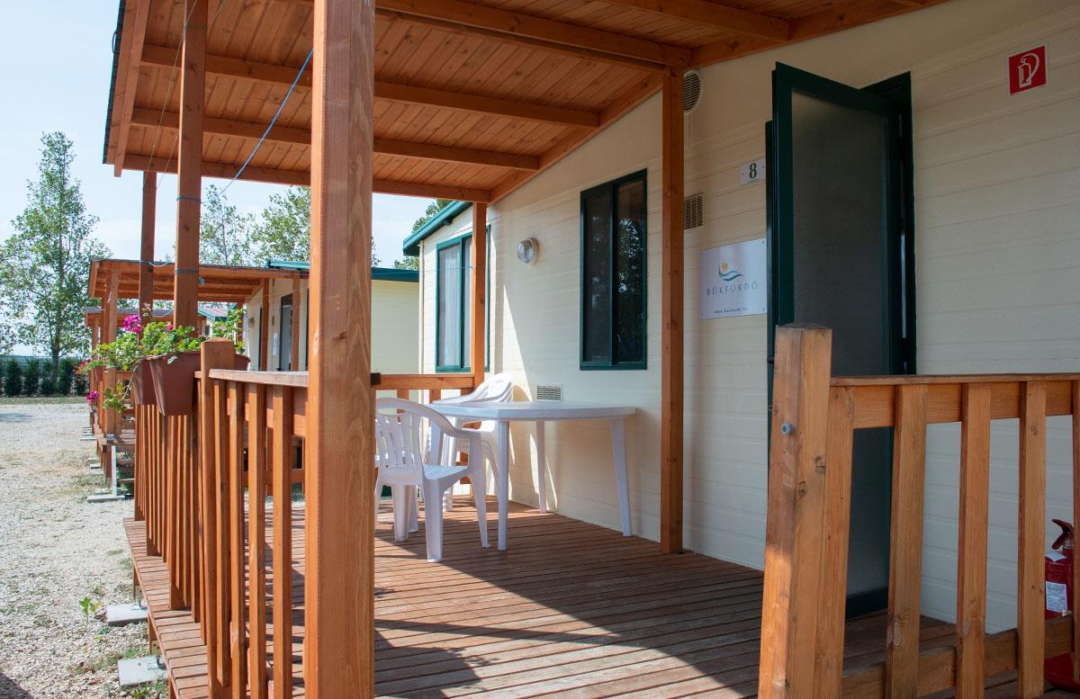 Die Therme Bük - Heilwasser und Rutschenspaß für die ganze Familie campingplatz mobilheim terrasse