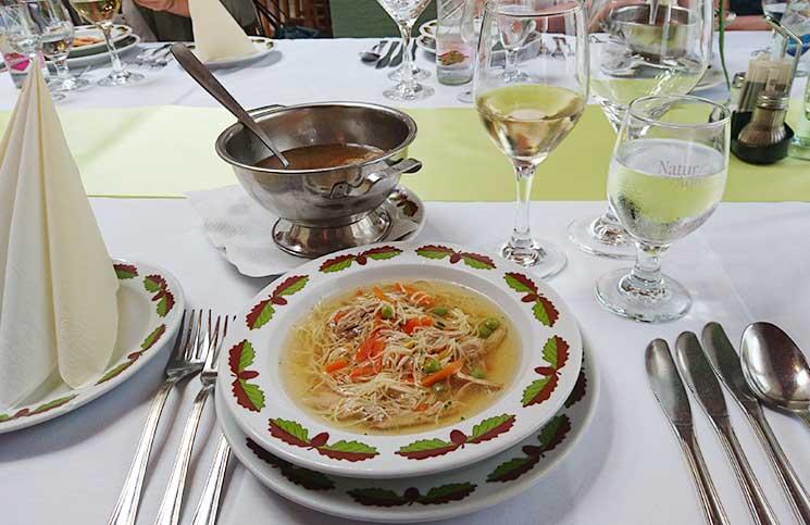 Die-Therme-Bükfürdo-und-Restaurant-Tipps-für-Bük-furdo-etterem-fasansuppe