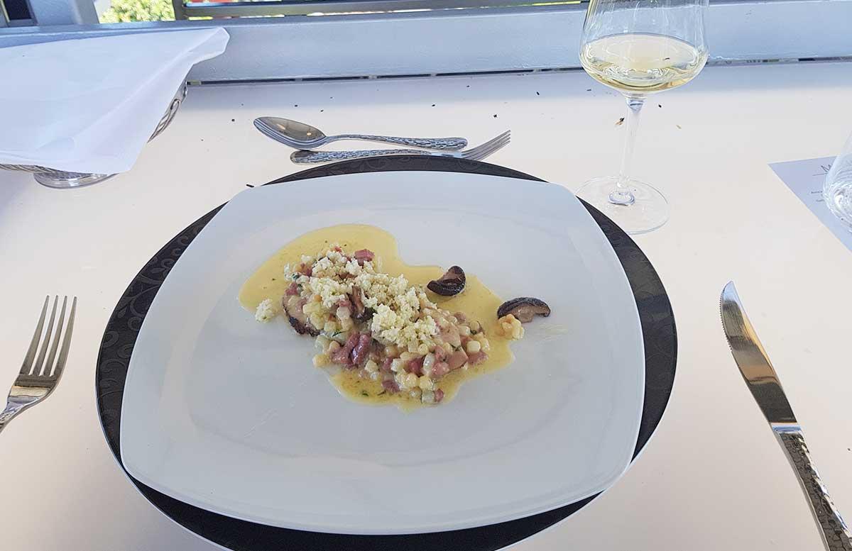 Dinner-in-the-sky-im-Wiener-Prater-kalbstafelspitz