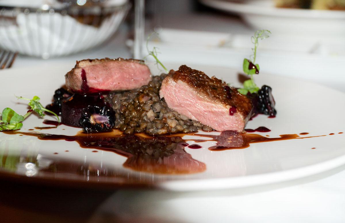 Dinner-und-Casino-Abend-im-Casino-Wien-fleisch-linsen
