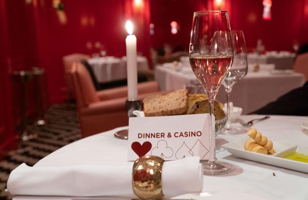Dinner-und-Casino-Abend-im-Casino-Wien-sekt