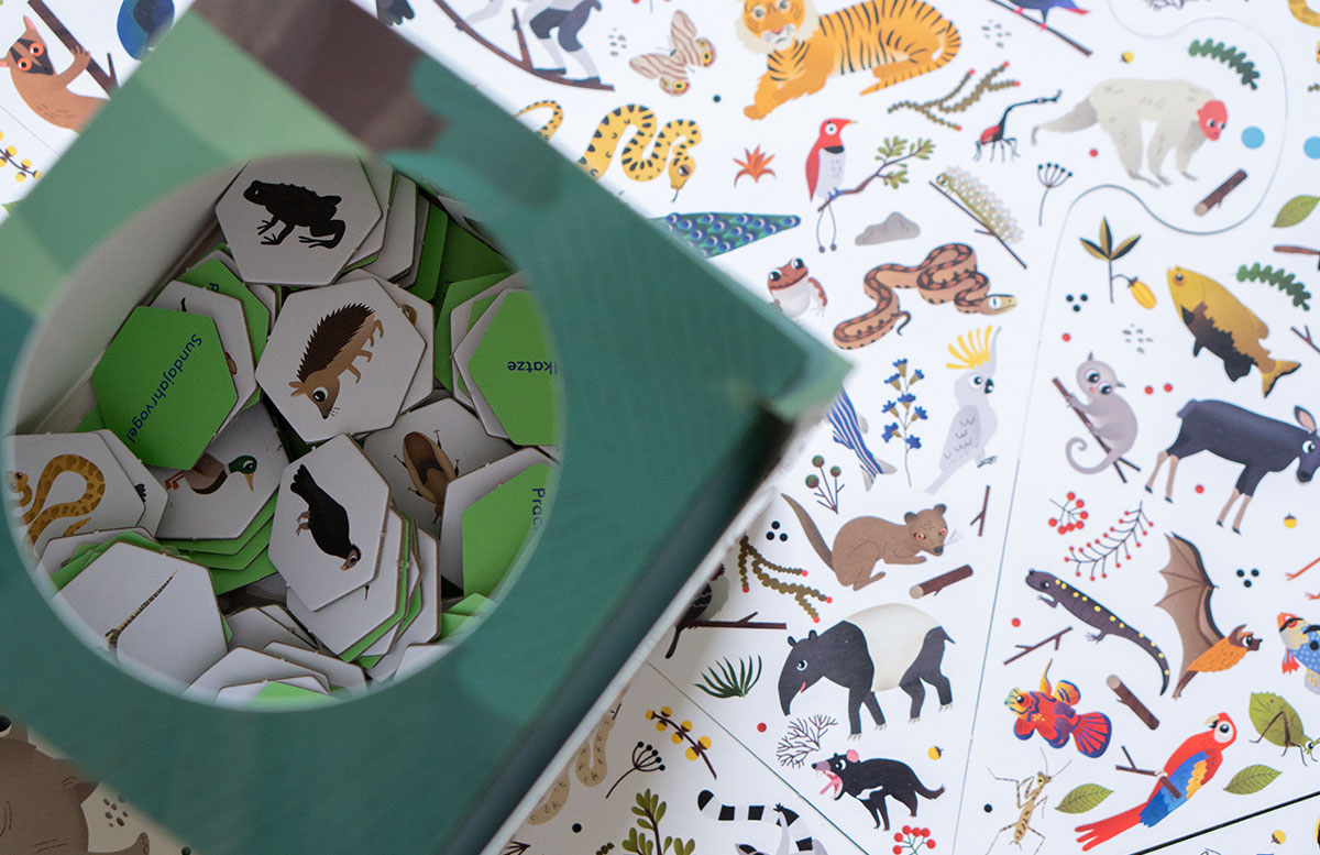 Dino,-Katzen-und-Märchen-Spielespaß-vom-Laurence-King-Verlag-wimmel-bild