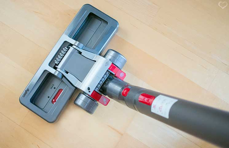 Dyson-Big-Ball-Parquet-bodendüse-am-boden