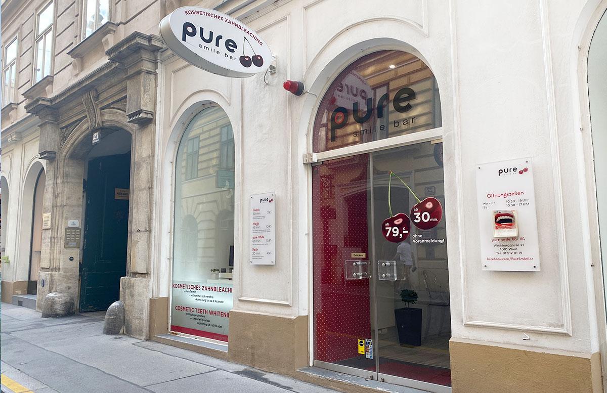 Erfahrungsbericht-Pure-Smile-Bar-in-Wien-eingang