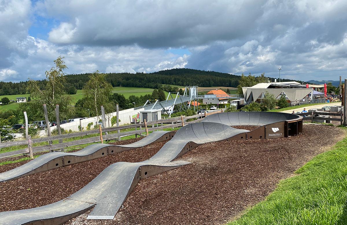 Erlebnisarena-in-St.-Corona-Sommerrodeln-Motorikpark-und-Biken-üben