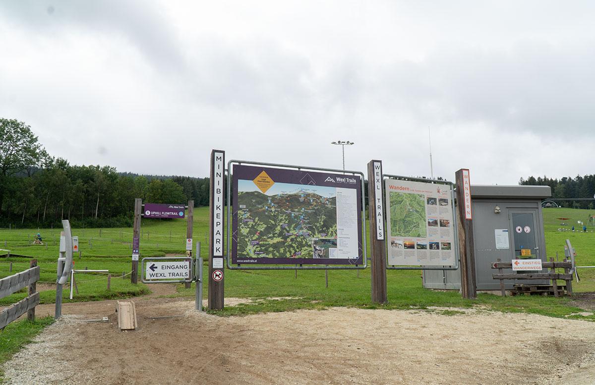 Erlebnisarena-in-St.-Corona-Sommerrodeln-Motorikpark-und-Biken-eingang