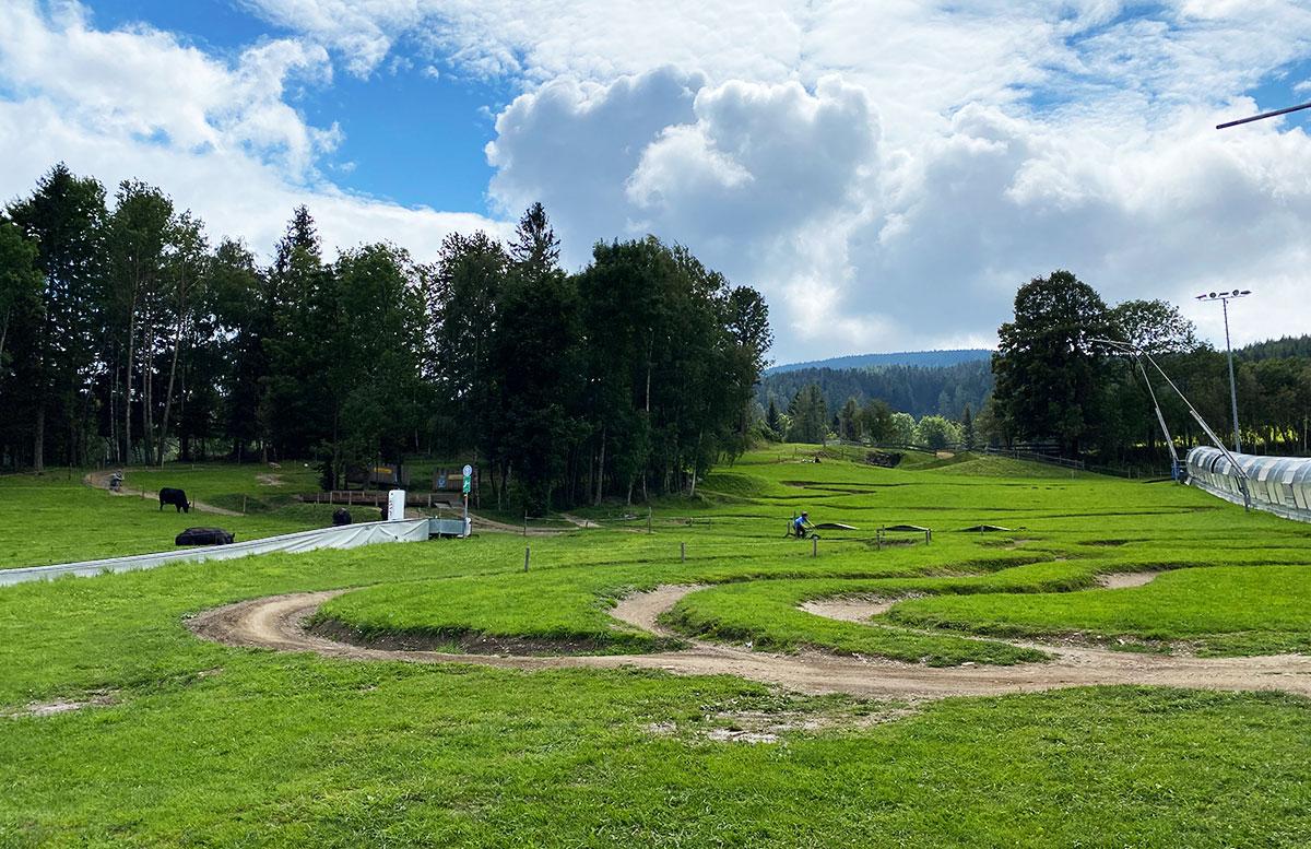 Erlebnisarena-in-St.-Corona-Sommerrodeln-Motorikpark-und-Biken-fortgeschrittene
