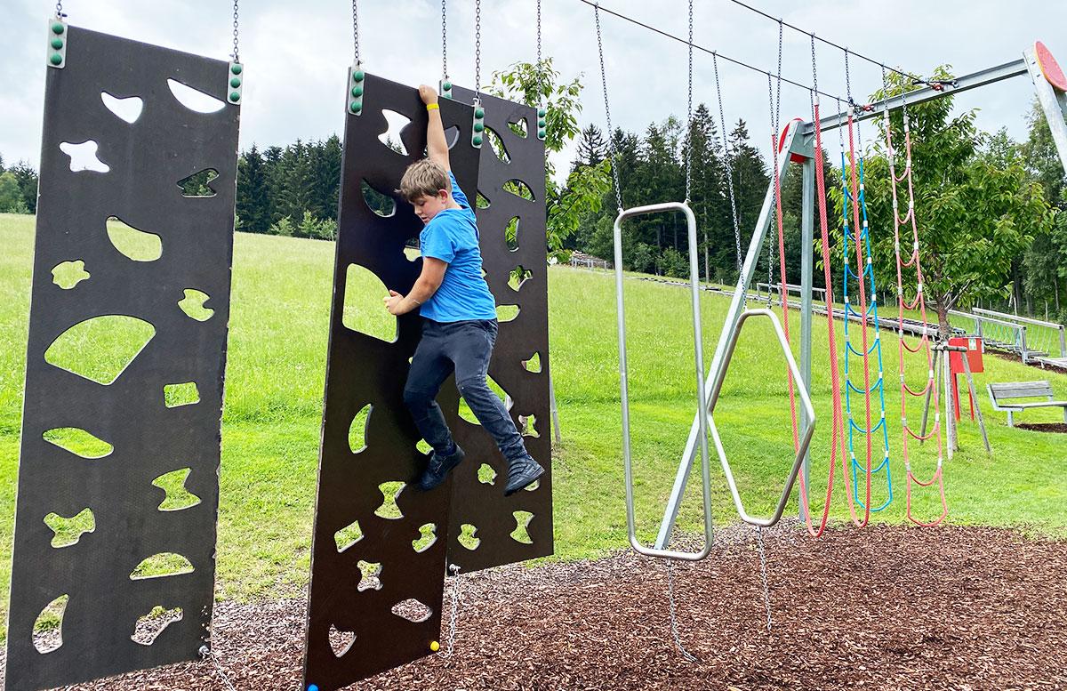Erlebnisarena-in-St.-Corona-Sommerrodeln-Motorikpark-und-Biken-kletterpark