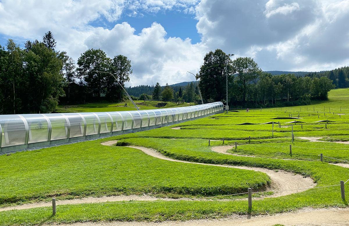 Erlebnisarena-in-St.-Corona-Sommerrodeln-Motorikpark-und-Biken-leichte-strecke