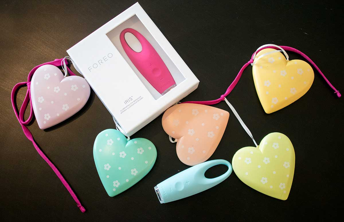 FOREO IRIS Massageger  t f  r die Augenpartie valentinstag gewinnspiel