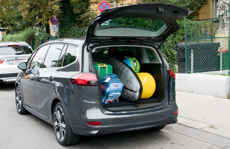 Familien-Trip-nach-Tirol-mit-dem-Opel-Zafira-opel-hat-platz-voller-kofferraum