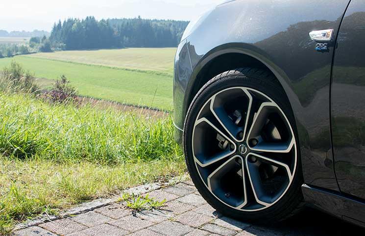 Familien-Trip-nach-Tirol-mit-dem-Opel-Zafira-vorderrad