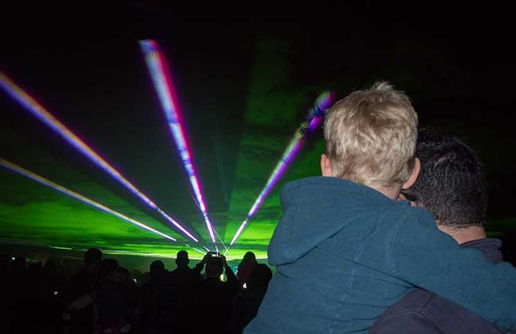 Ausflug zum Bauernhof und Fledermaussuche-lasershow-lichterzauber