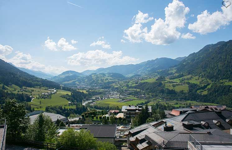 Familienurlaub-im-Hotel-Oberforsthof-in-St.-Johann-Alpendorf