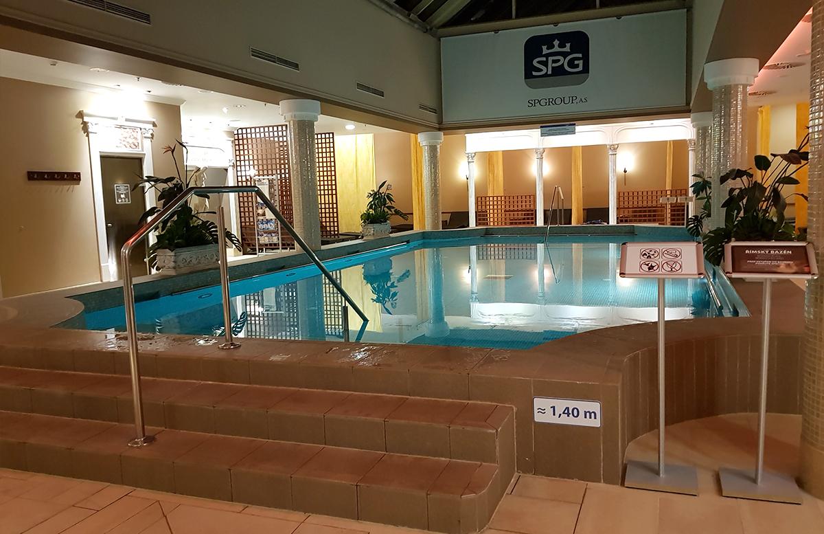 Family und Wellness Hotel Aquapalace Prague wellness pool