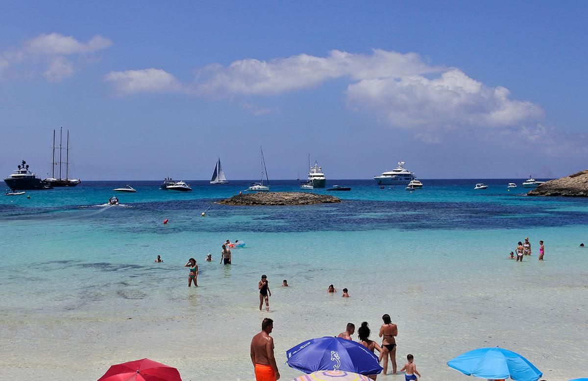 Formentera-Traumstrand-playa-illetes-türkis-und-blau