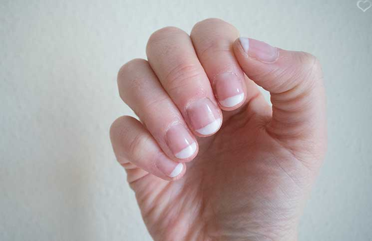 French-Manicure-mit-Sensationail-Gel-Nagellack-maniküre