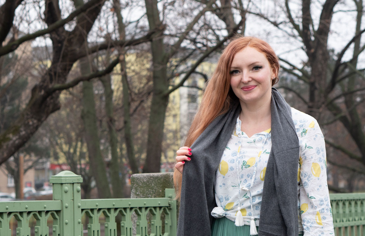 Frühlingslook-in-Mint-und-Abnehm-Tipps--GRAUER-SCHAL