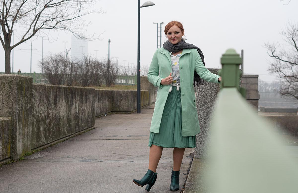 Frühlingslook-in-Mint-und-Abnehm-Tipps-outfit-ganzkörper