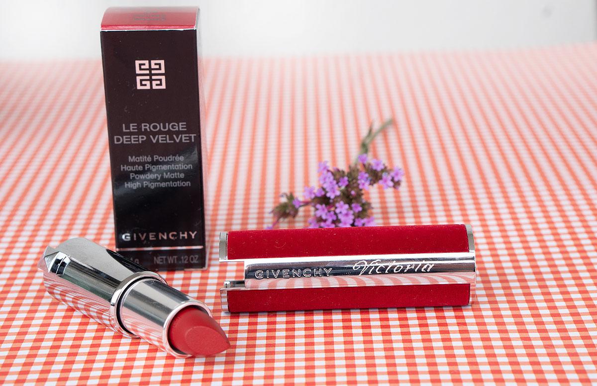 Givenchy-L'Interdit-Eau-de-Toilette-und-Le-Rouge-deep-velvet-lippenstift-mit-gravur