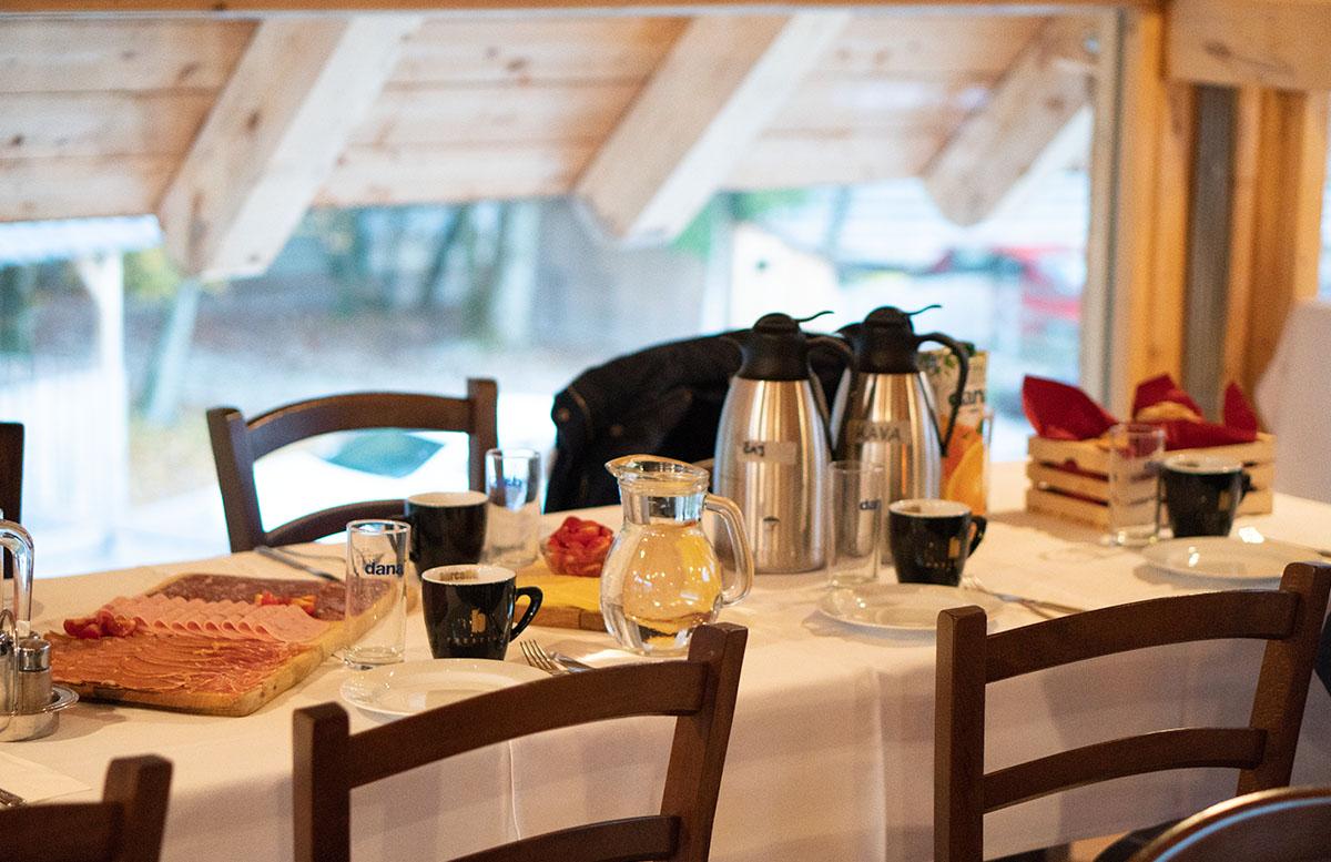 Glamping im Slovenia Eco Resort Kamnik hütten selbstverpfleger frühstück
