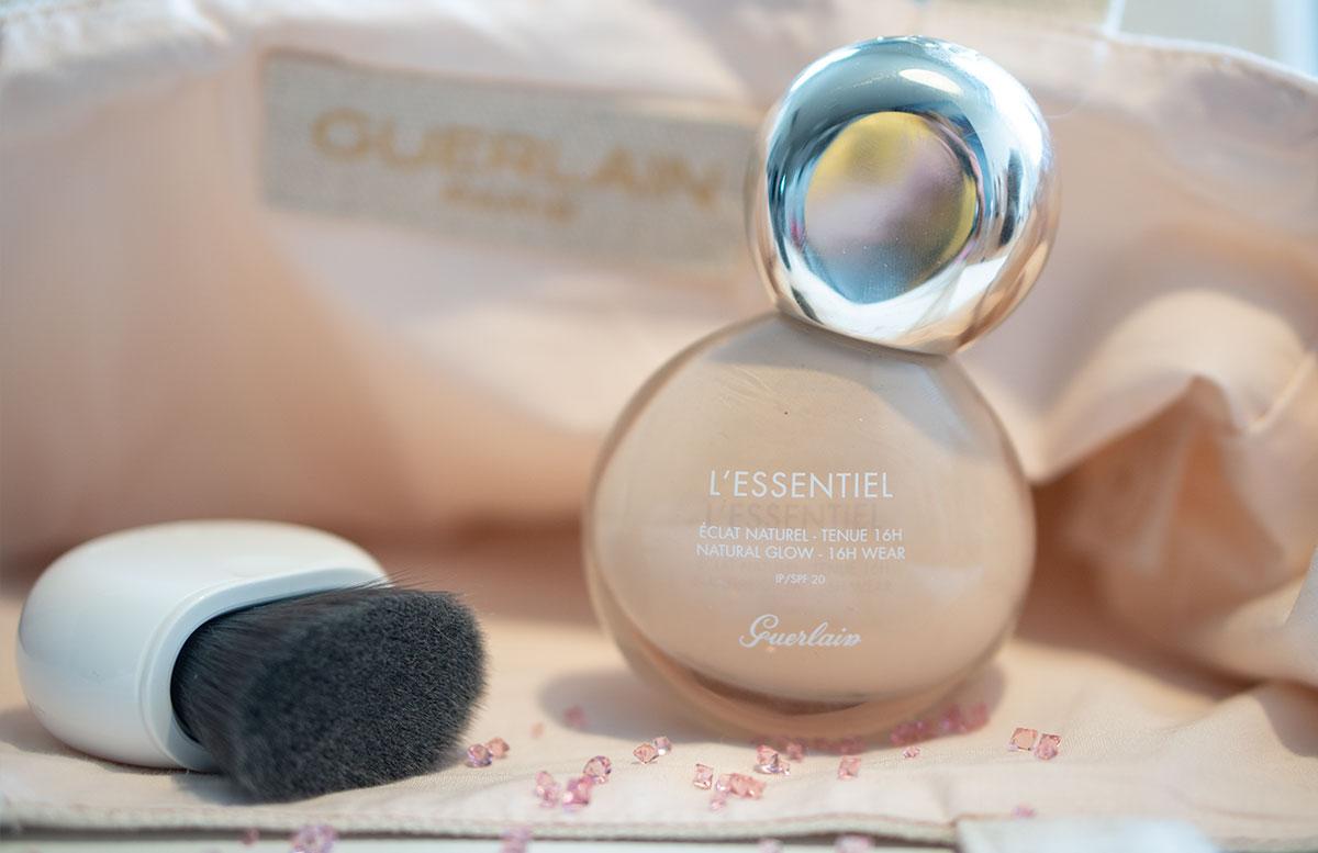 Guerlain-L'Essentiel-Natural-Glow-foundation-detail