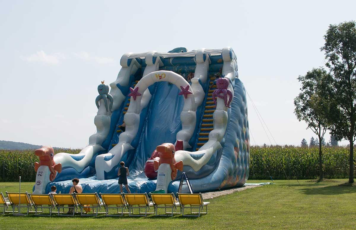 H2O-Hotel-Therme-Resort-und-Ausflug-zur-Pfauenfarm-Lindenhof-riesenrutsche