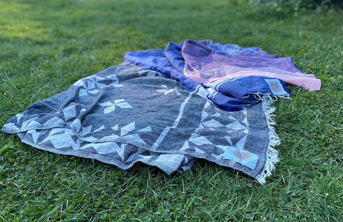 Hochwertige-Strandtücher-und-Badespaß-Zubehör-hamamtücher