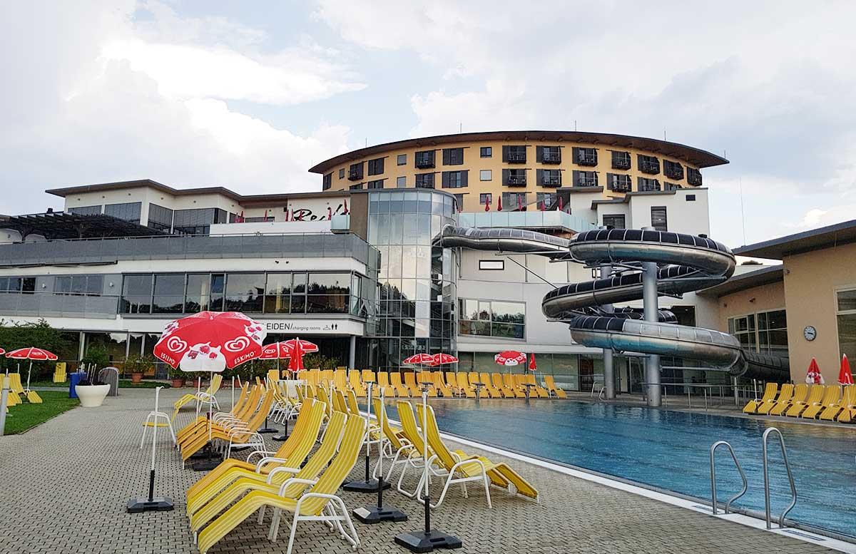 Hotel Allegria Resort Stegersbach by Reiters poolbereich aussen mit rutsche
