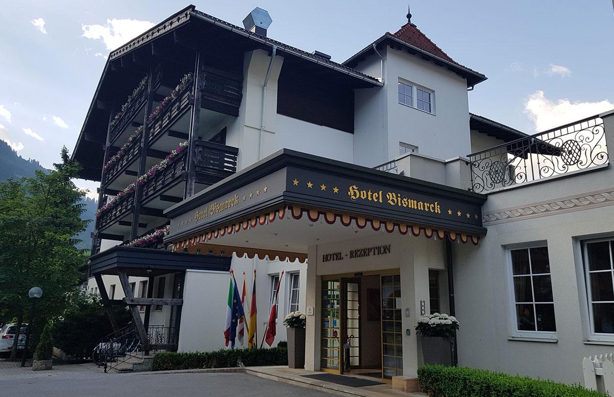 Hotel-Bismarck-in-Bad-Hofgastein-eingang