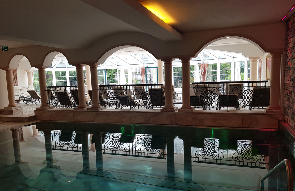 Hotel-Bismarck-in-Bad-Hofgastein-indoor-pool
