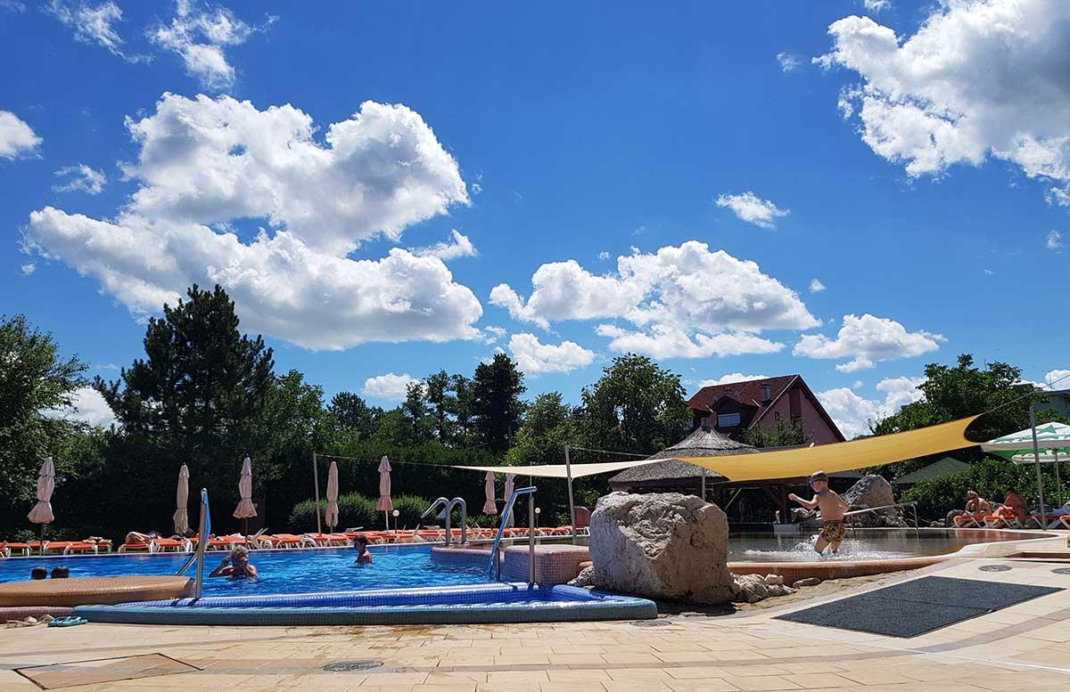 Hotel Europa fit in Heviz poolbereich outdoor acapulco kinderbecken