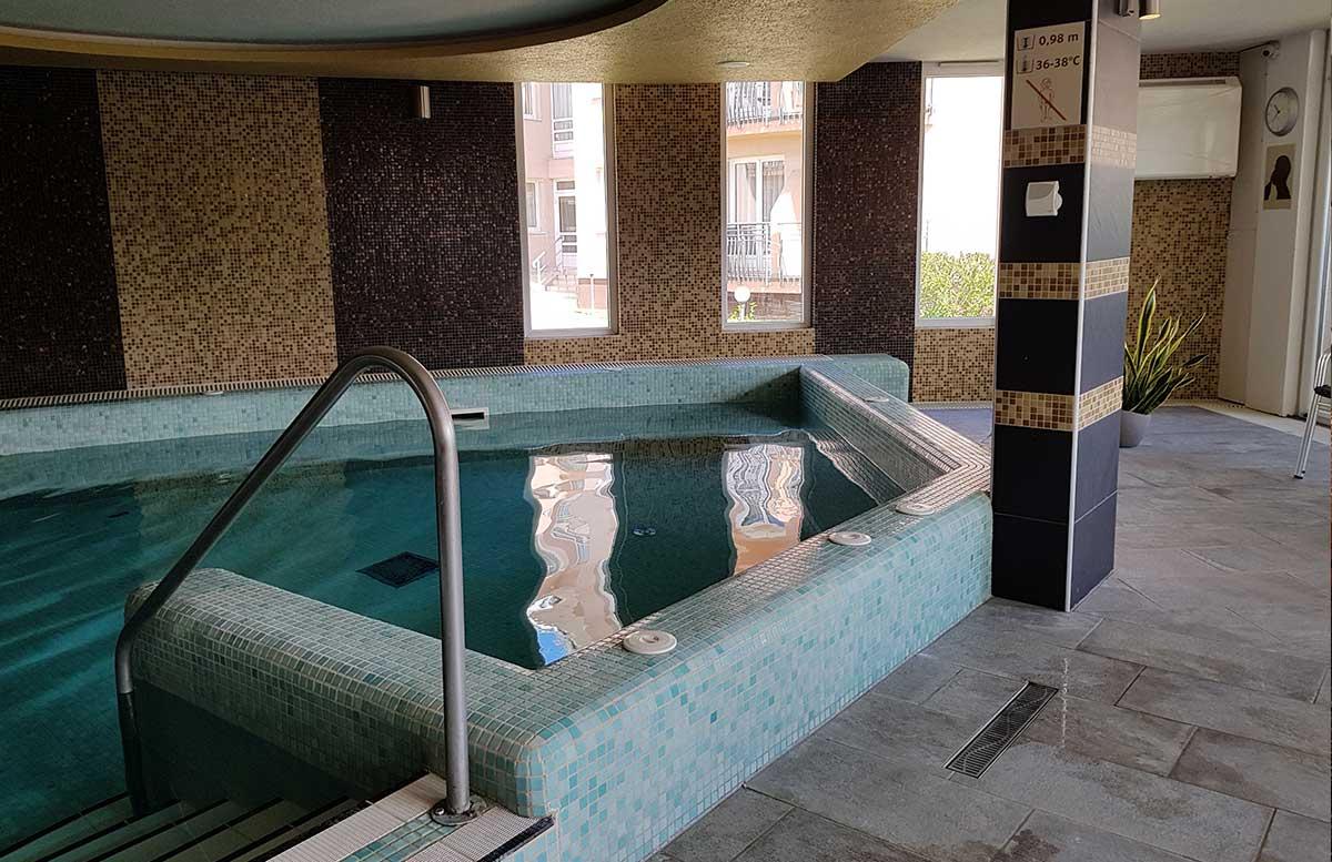 Hotel Europa fit in Heviz poolbereich indoor heilwasser