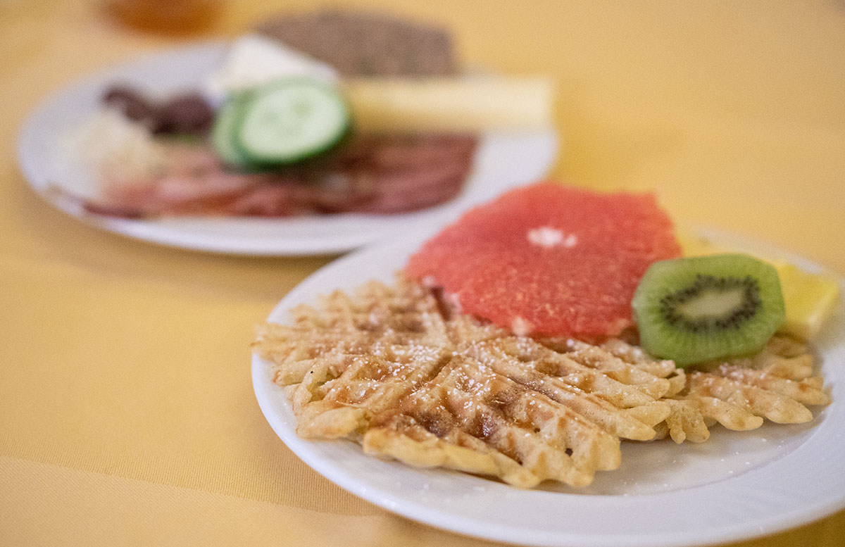 Hotel Gasteiger Jagdschlössl in St. Johann in Tirol waffeln zum frühstück