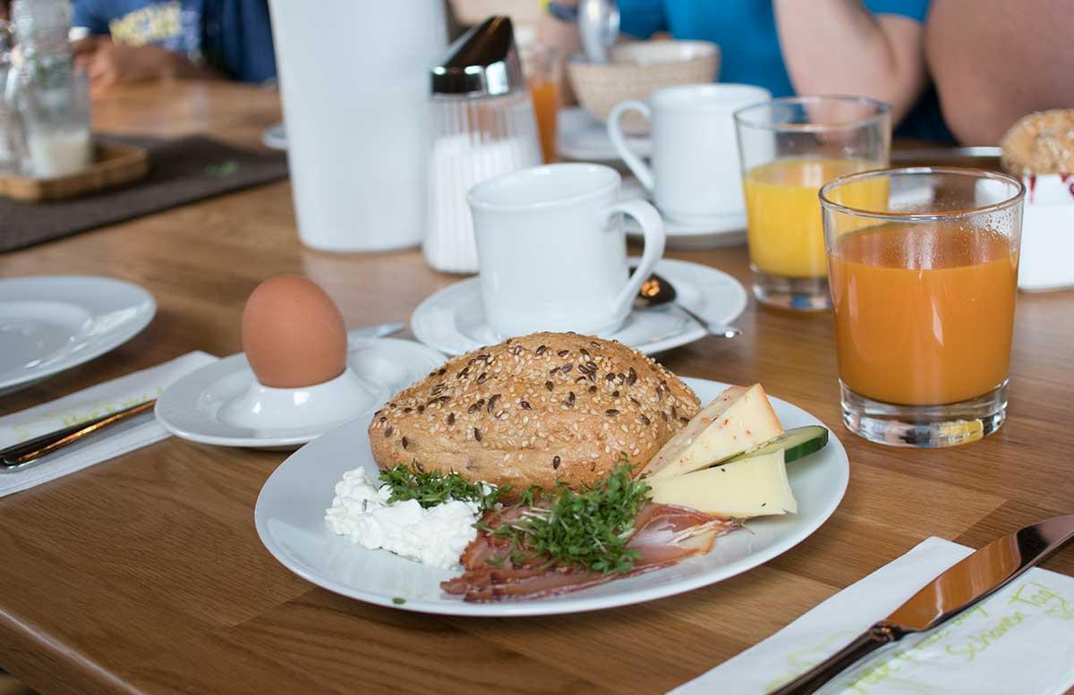Hotel Gasthof Am Riedl in Koppl - der Riedlwirt frühstück