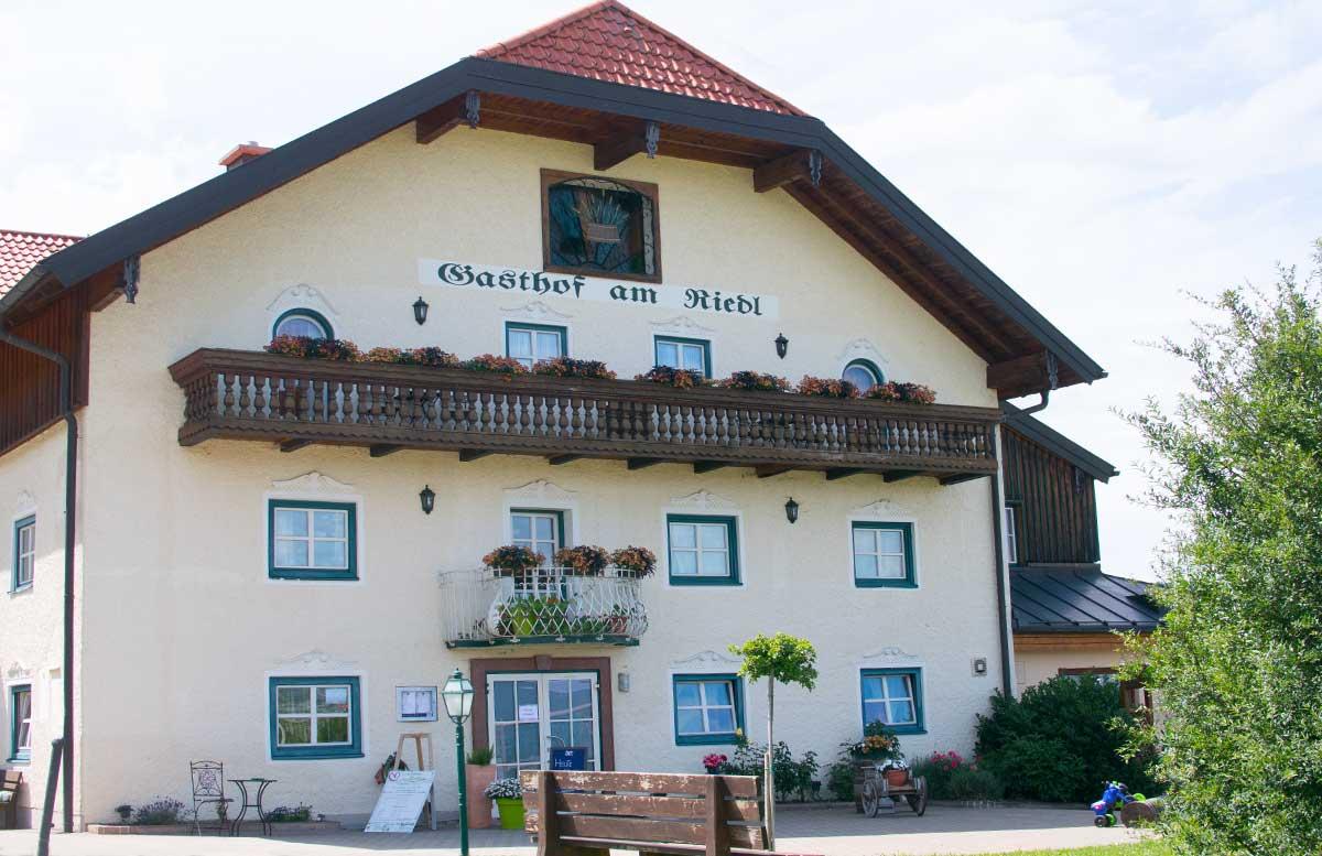 Hotel Gasthof Am Riedl in Koppl - der Riedlwirt der gasthof